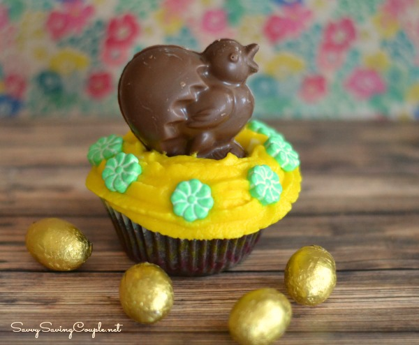 Chick-and-egg-cupcake