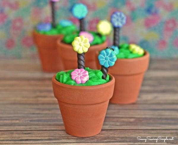 Spring-Cake-Flower-Pots