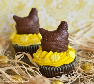 Yellow-Hen-Cupcakes