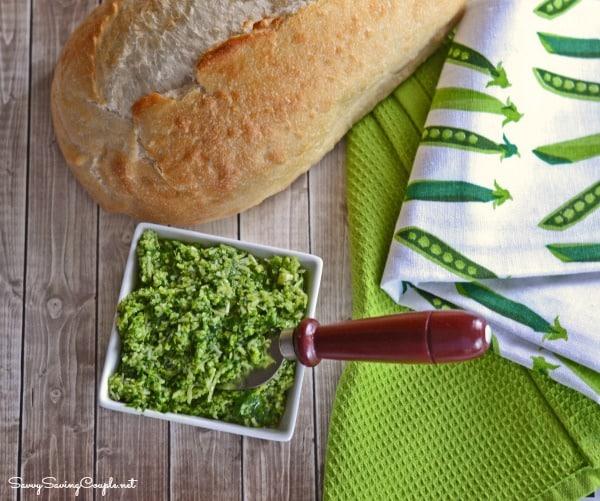 Spinach-Pesto-and-bread-1