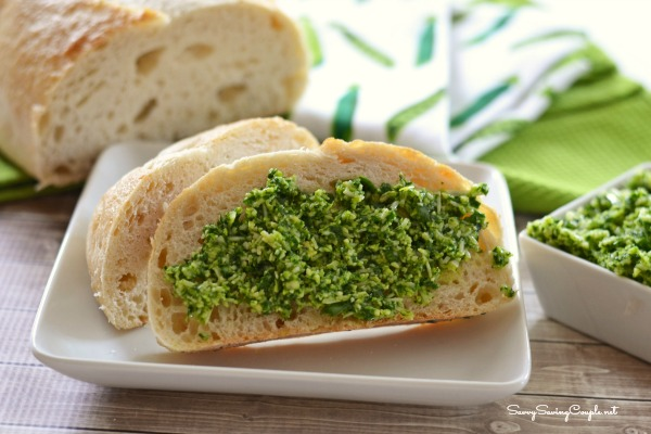 spinach-pesto-on-crusty-bread-1