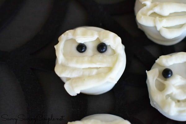 mummy-oreo-pops
