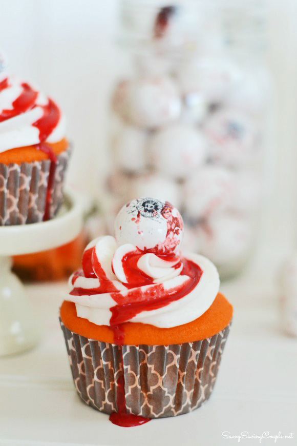 halloween-eyeball-cupcakes-diy
