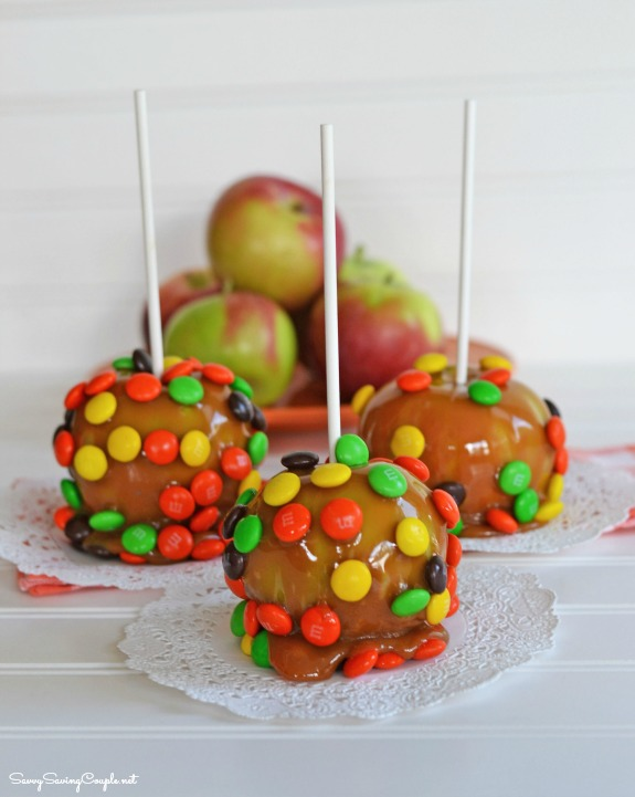 m&m-apples