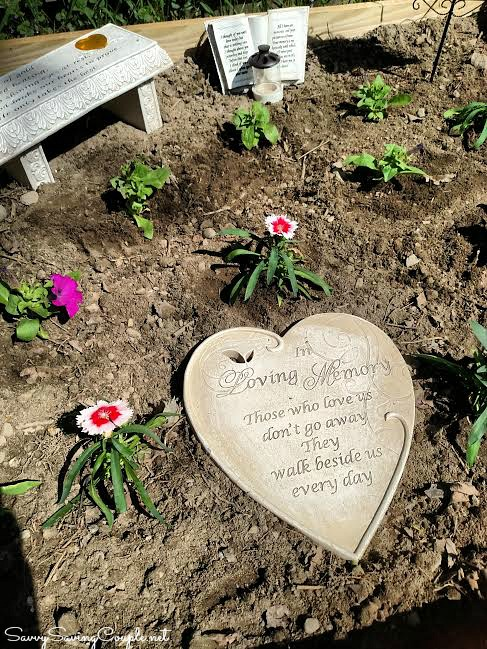 Memorial-Garden-DIY