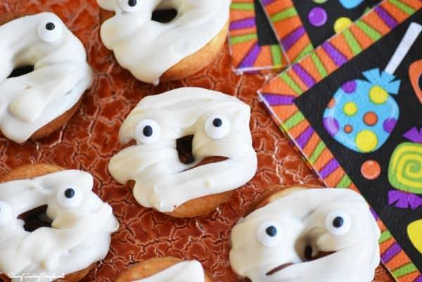 Baked-mummy-doughnuts