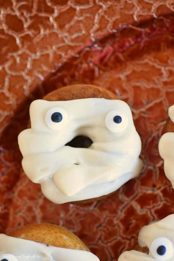 Mummy-doughnuts
