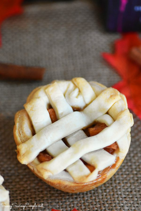 mini-apple-lattice-pie