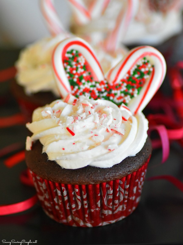 Peppermint-Heart-Christmas-cupcakes