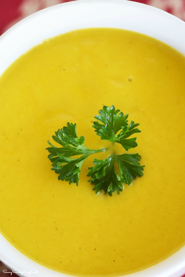 butternut-squash-soup-in-cup