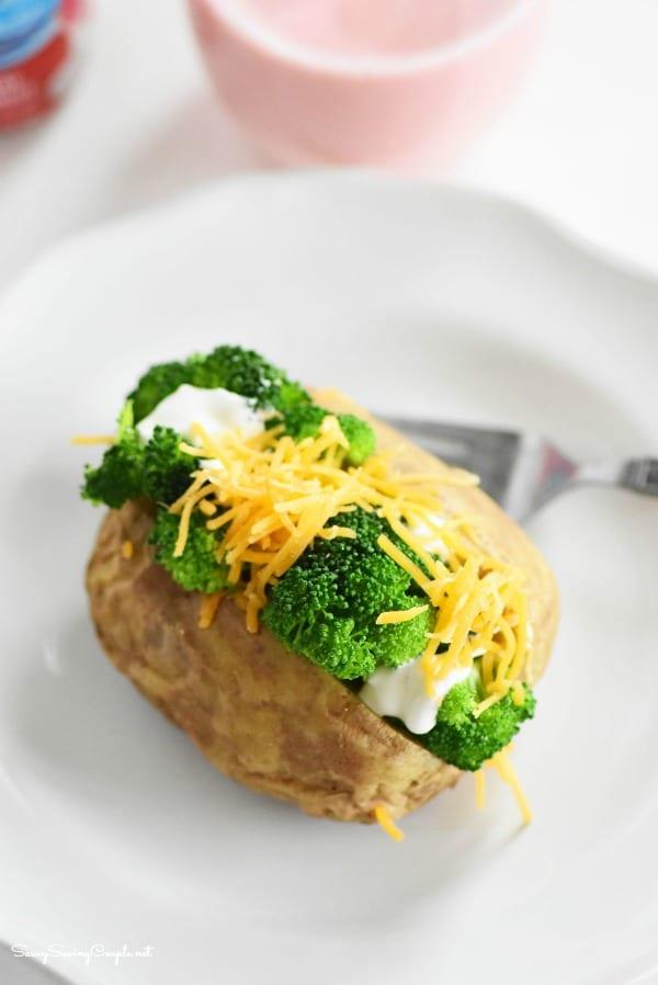 Broccoli-Baked-potato-lunch