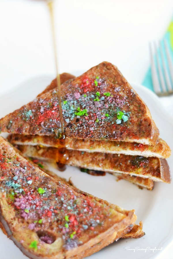 Berry-Bunch-Crunch-French-Toast-syrup
