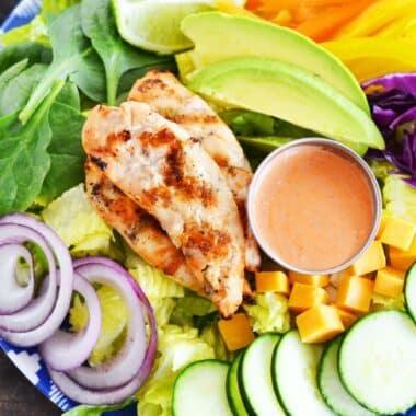 Healthy-rainbow-grilled-chicken-salad