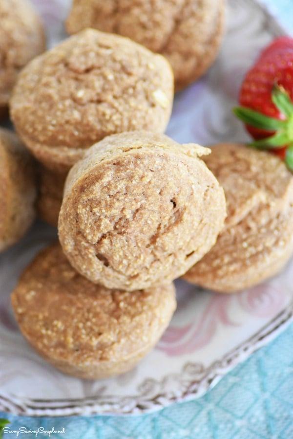 4-ingredient-strawberry-muffins