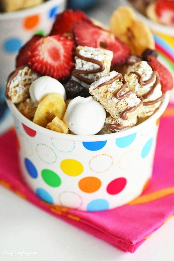 Breakfast on the Go: Fruity Breakfast Snack Mix