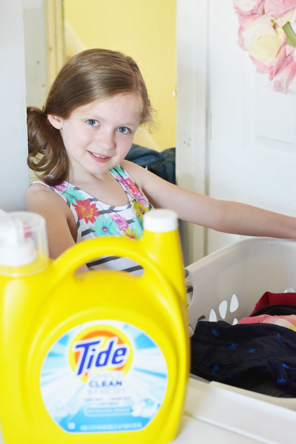 girl-washing-clothes