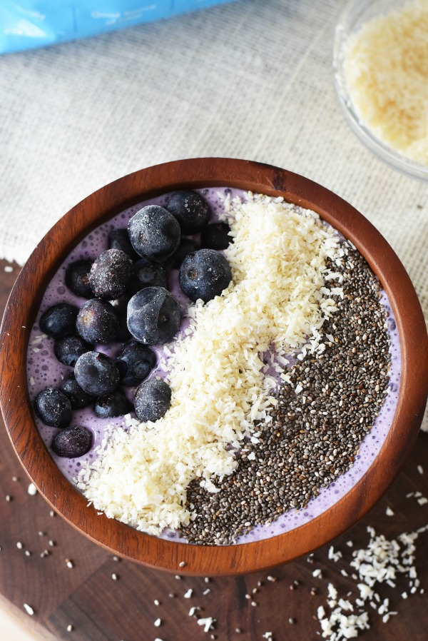 frozen-blueberry-smoothie-bowl