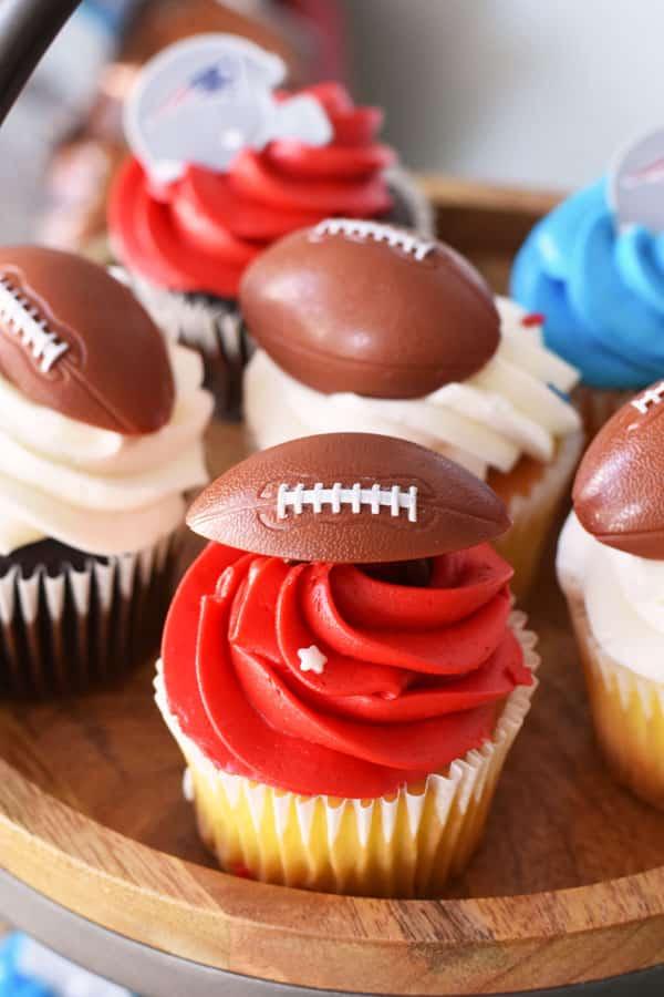 patriotic-football-cupcakes