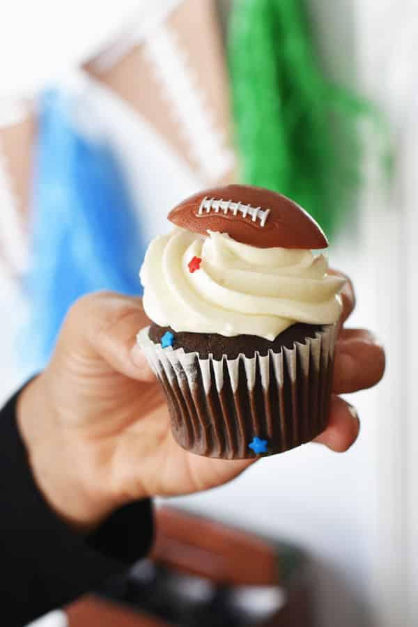 football-cupcake1