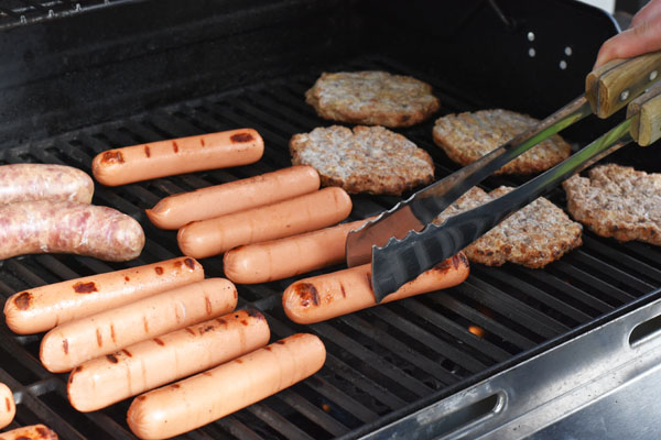 grilled-dogs-burgers