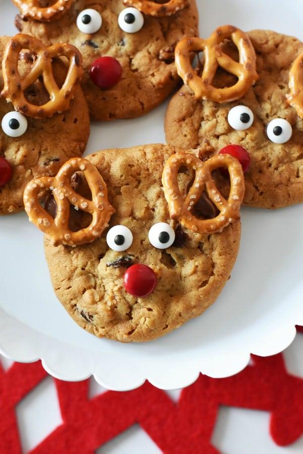 reindeer-cookies-plate