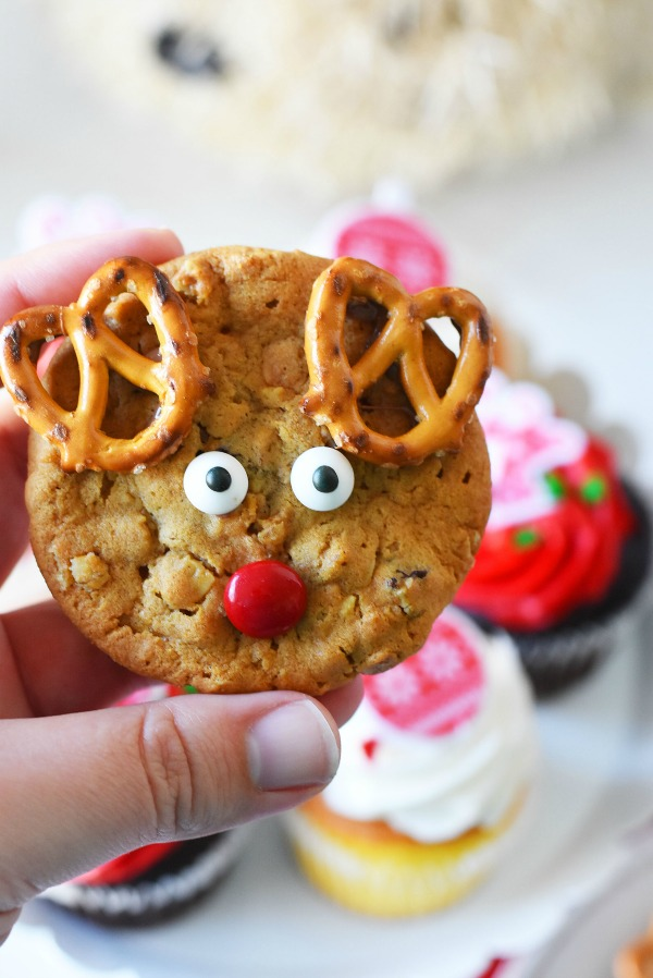 Easy Reindeer Cookies- no baking needed
