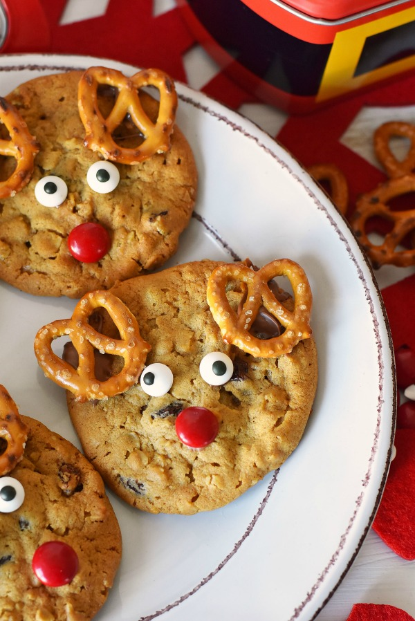 reindeer-cookies-tray