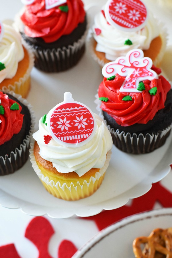 ugly-sweater-cupcakes