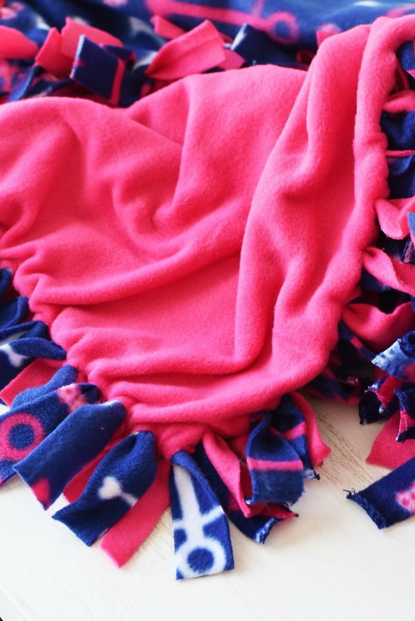 New-Sew-Fleece-dog-blanket