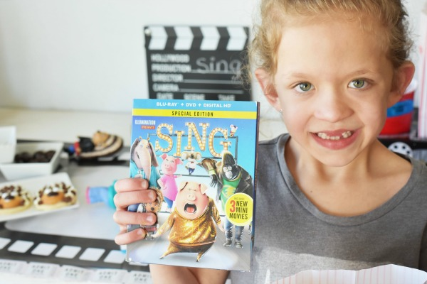 Girl with Sing Movie1