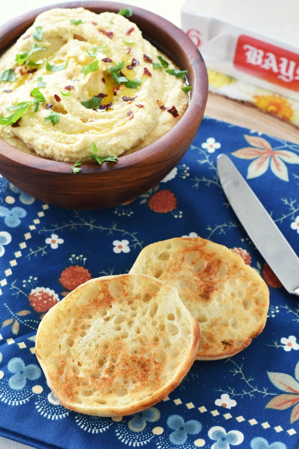 Hummus on English Muffin Snack1