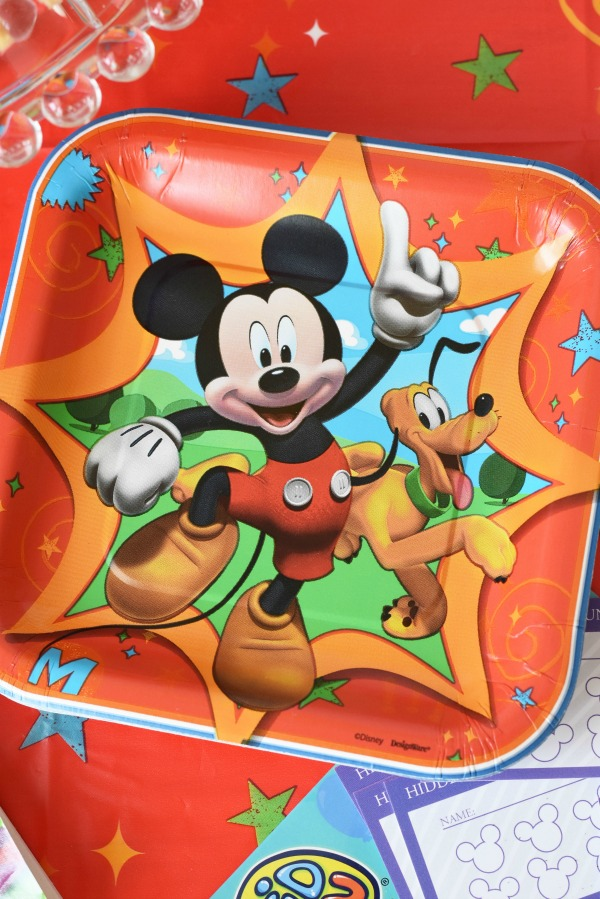 Mickey Mouse Paper plates1