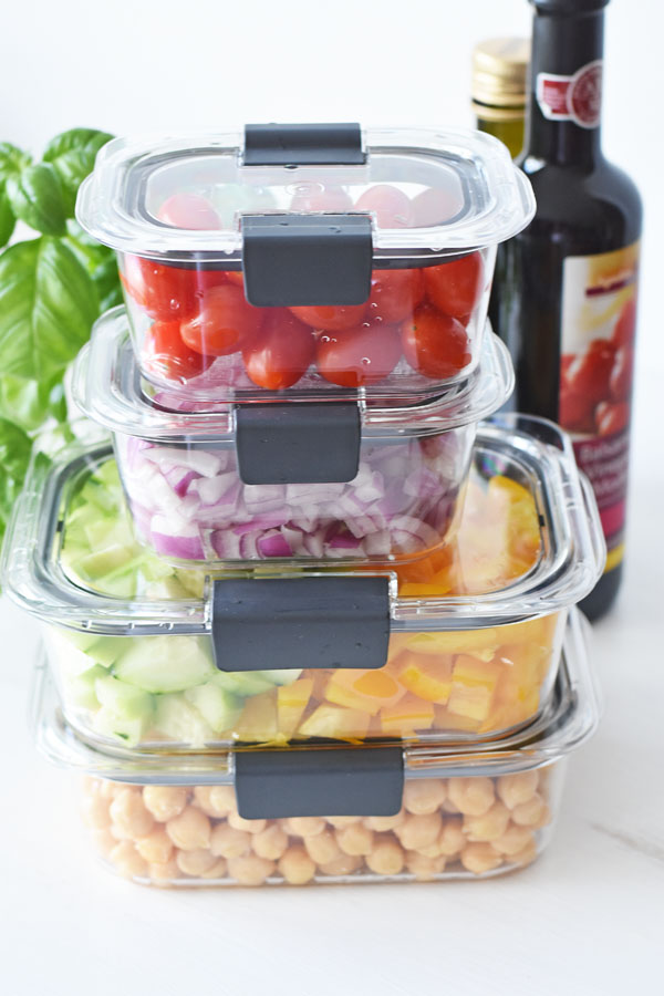Rubbermaid Brilliance Set with food