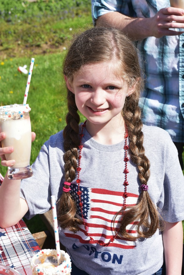 girl drinking rootbeer float