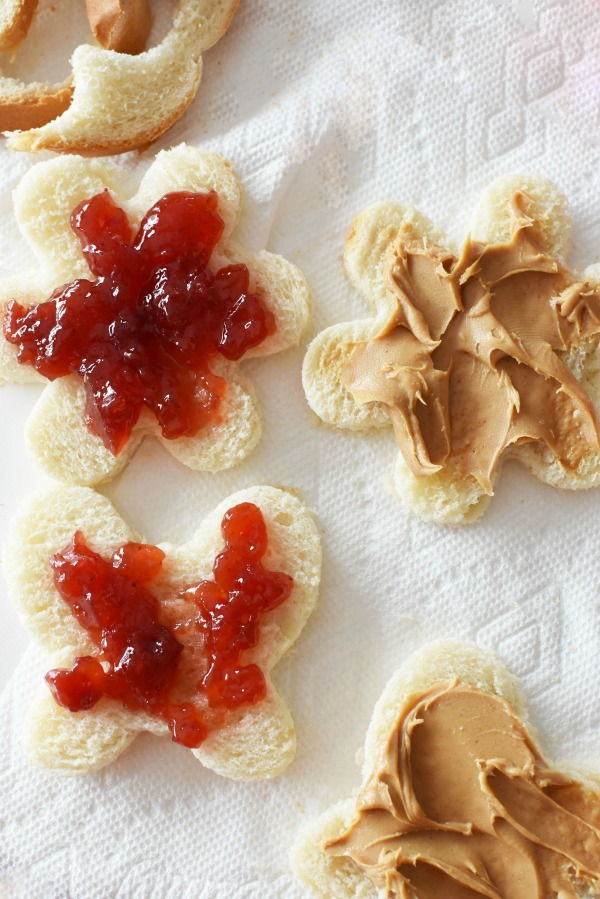 PB&J Shapes sandwiches