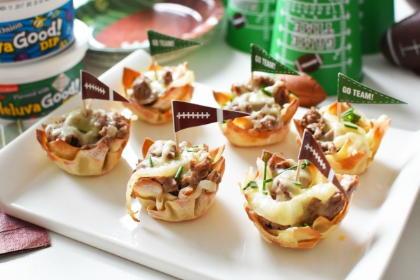 Steak and Cheese wonton cups1