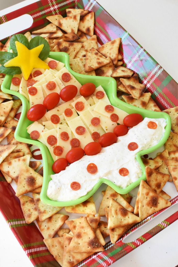 Christmas Tree Dip & Cheese Platter with Pita Chips1