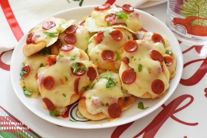 Mini Spicy Pepperoni Naan Pizzas1
