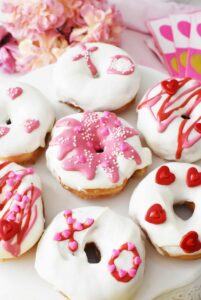 DIY Valentine's Day Donuts Hack