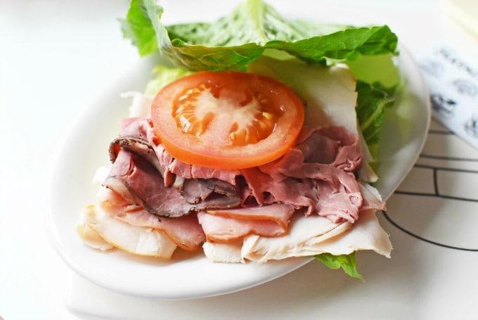 Romaine Deli Meat Breadless sandwich1