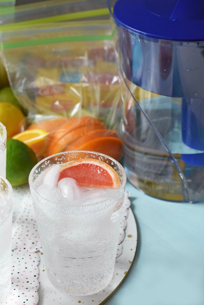 Grapefruit Slice in Ice Water1