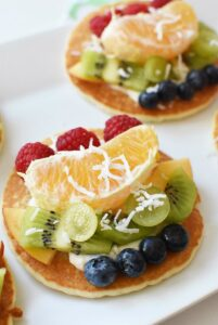 Fruit Pizza Pancakes & a Yummy Grape Smoothie Your Kids Will Love
