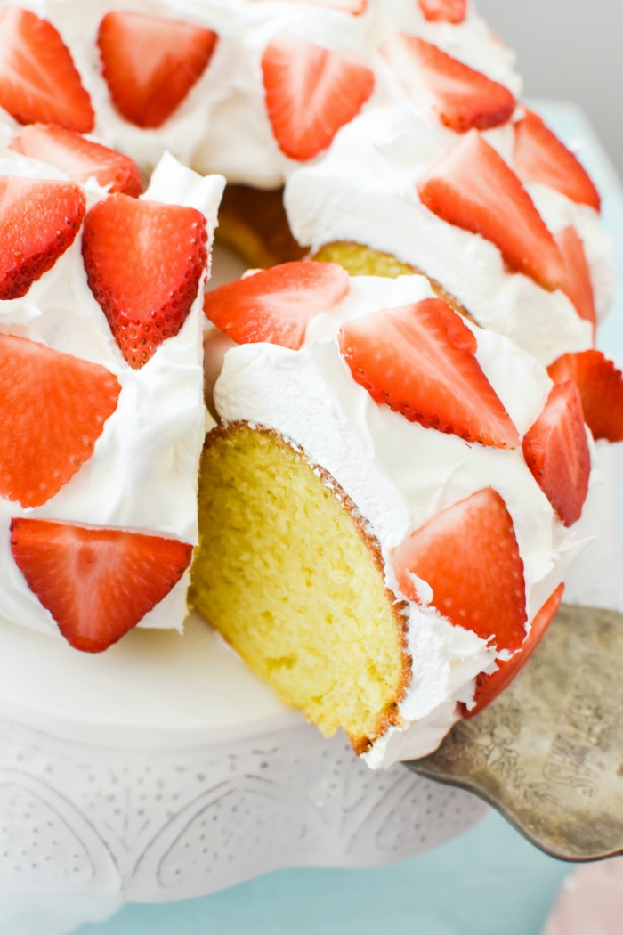 Extra Moist Strawberry Lemon Cake