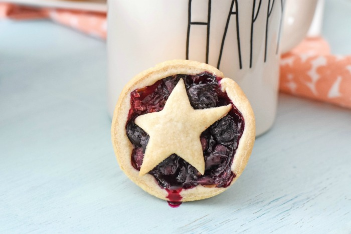 Star Mini Blueberry Pie