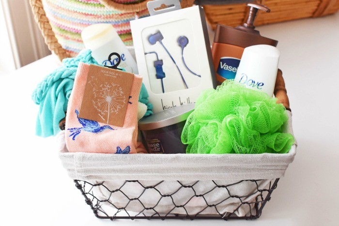 Mothers Day Farmhouse gift basket 1