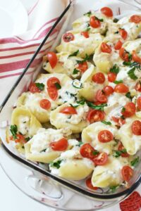 Spinach Chicken and Tomato stuffed shells 1
