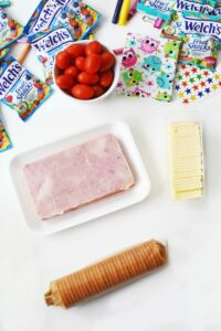 Easy Kids Lunch Idea: Ham & Cheese Cracker Stackers with Sides