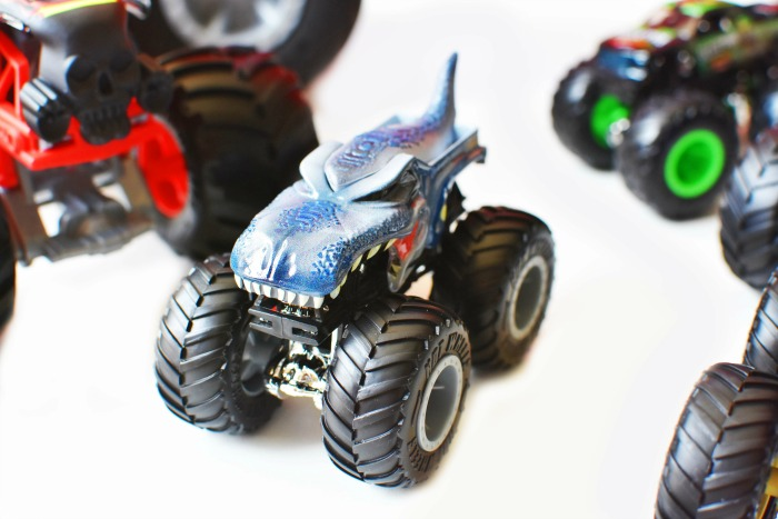 Monster Truck Hot Wheels 1