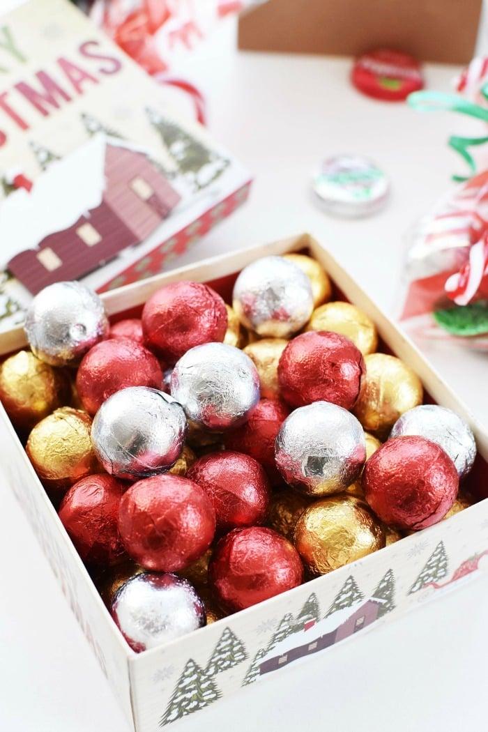 Palmer Christmas Foil Caramel Balls 1