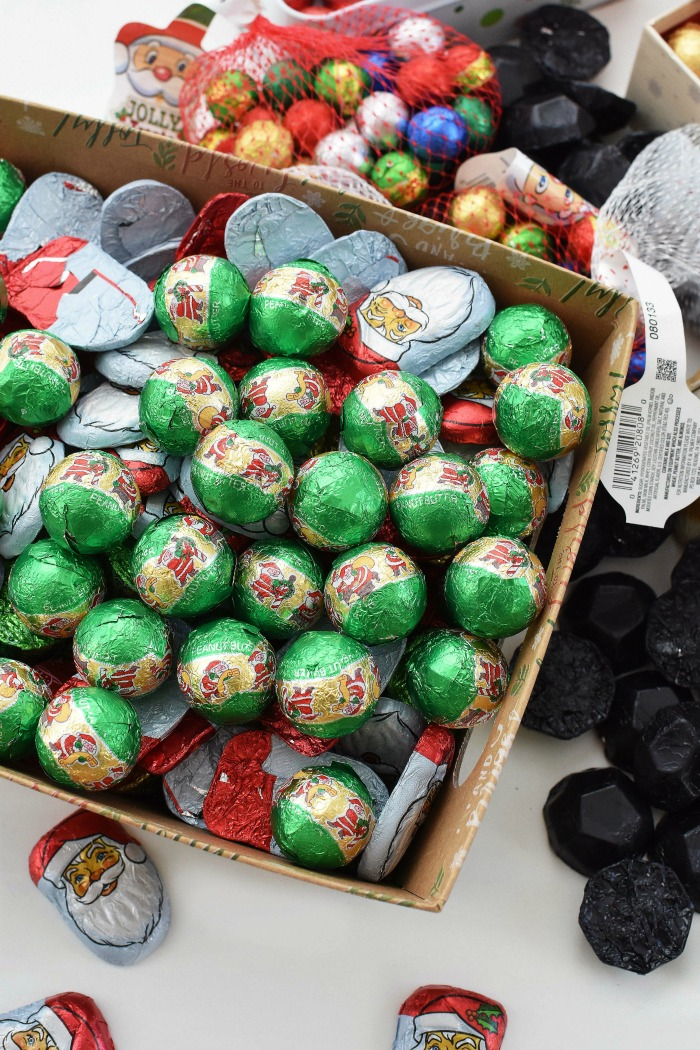 Palmers Christmas Balls in Bin 1